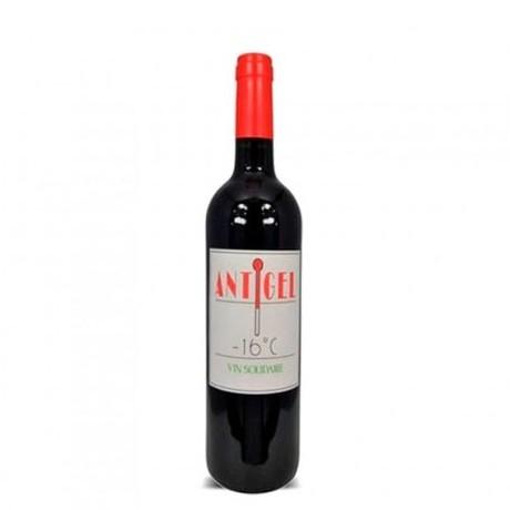 カベルネ・フラン、メルロ 近隣の有機栽培葡萄を分けてもらい軽やかに仕上げたワイン『Antigel 2016 アンティジェル』
